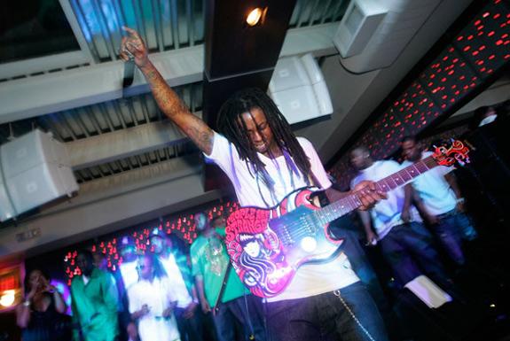 Lil Wayne – 'I'm Not Human'