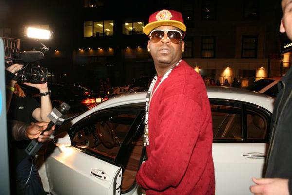 http://hiphop-n-more.com/wp-content/uploads/2009/02/tony-yayo-2.jpg