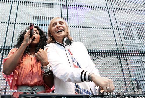 Kelly Rowland ft. David Guetta – Commander (Sidney Samson Remix)Kelly David