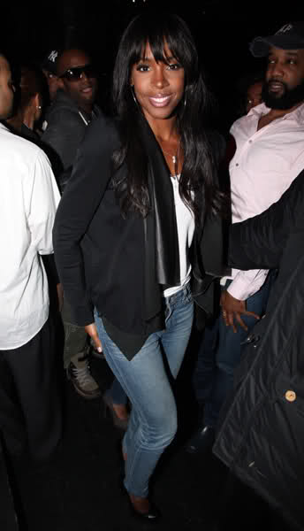 kelly rowland here i am. pictures Kelly Rowland is