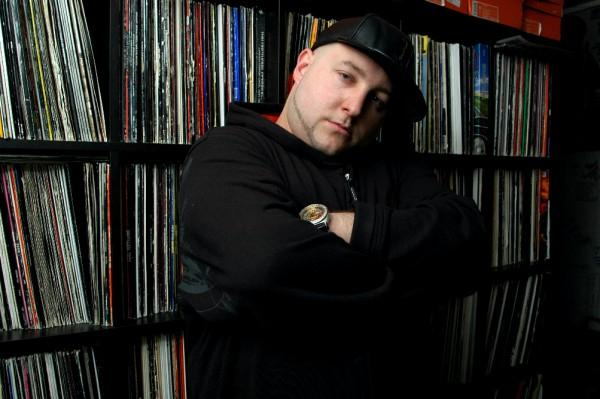 Statik Selektah sera sur lalbum de Nas