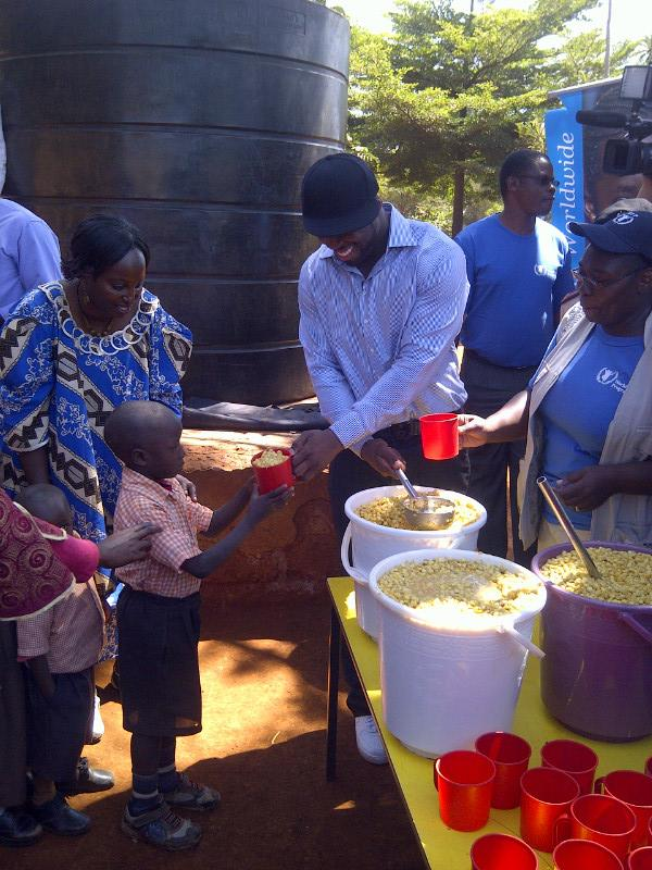 50 cent somalia 3 50 Cent Visits Somalia & Kenya To Donate Meals (Pics)
