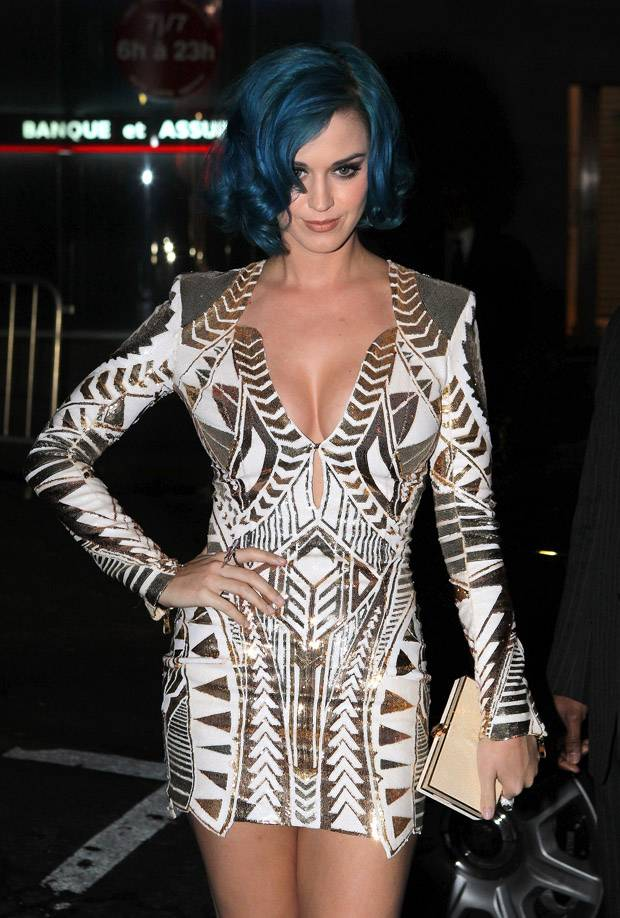 Katy Perry Covers The Throne's 'N***as In Paris' (Video