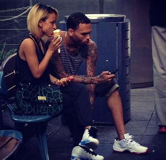 Terrific Chris Brown Performs Birthday Cake Remix In Brisbane Hiphop Funny Birthday Cards Online Inifofree Goldxyz