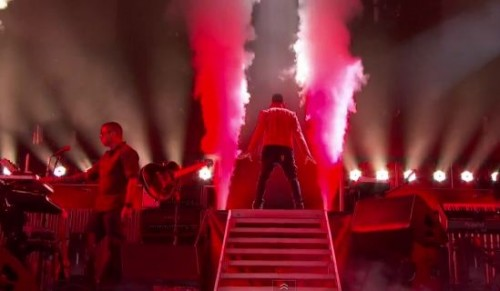 usher unstaged 500x291