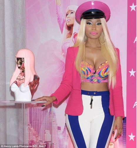 nicki fragrance launch 466x500