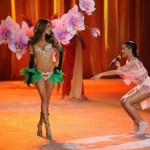 Rihanna, Bruno Mars & Justin Bieber Perform At Victoria's Secret Fashion Show 2012