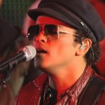 Bruno Mars Performs 'Locked Out Of Heaven' + 'Treasure' On Jimmy Kimmel Live