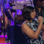 Ashanti Performs 'Let It Snow' On Arsenio Hall Show