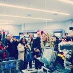 Beyonce Surprises Fans At Walmart Store With $37,500 Worth Gift Cards (Video)