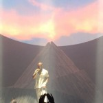 "Kanye Calls Drake A ""Rap God"" At Toronto Show"