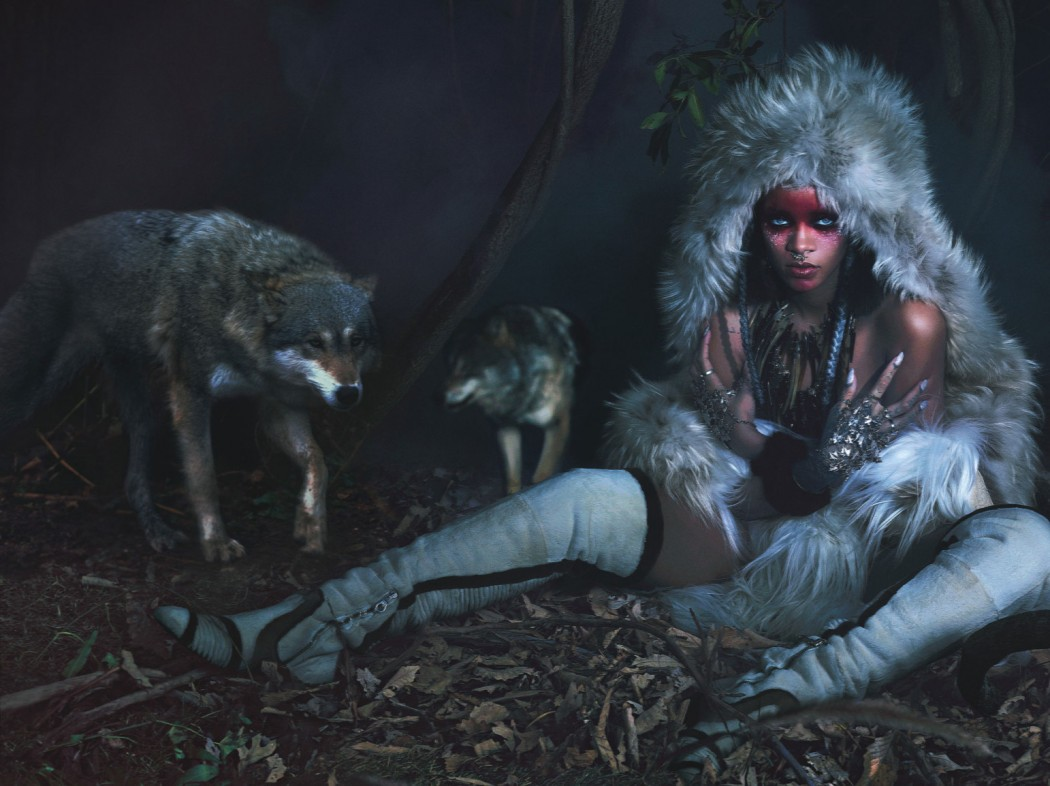 rihanna-wolves-1542x1154