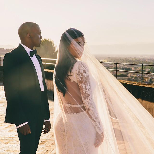 Kanye Kim Wedding 2 The Season Finale Episode Of Keeping Up With Kardashians