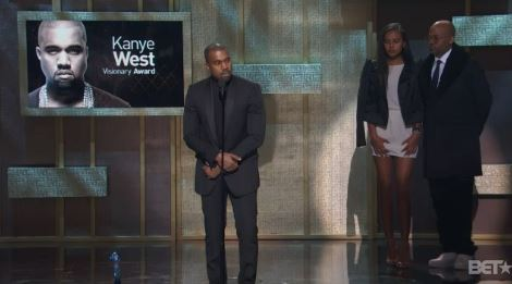 kanye-west-accepts-bet-honors-15