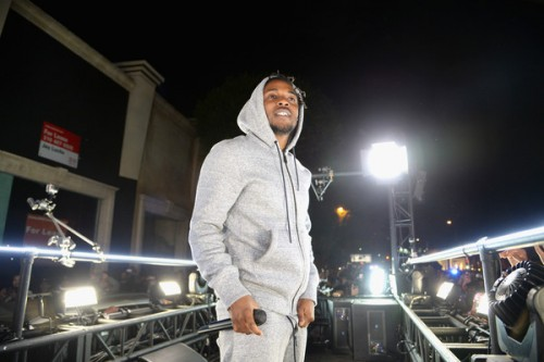 kendrick-lamar-throws-surprise-concert-on-a-moving-truck