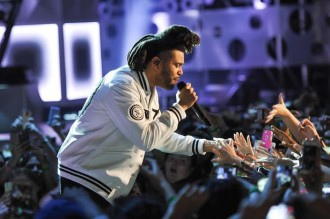 the-weeknd-performs-the-hills-earned-it-2015-mmva