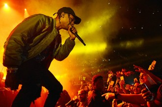 travis scott perform 2