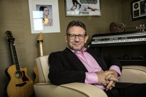 Universal Music CEO Lucian Grainge Reportedly Orders End of Exclusive Releases For Artists on Roster