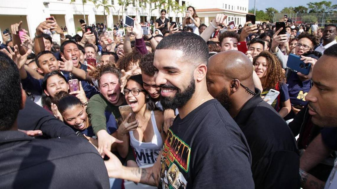 Drake shuts down Miami high school for 'God's Plan' video