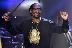 "Snoop Dogg Says Travis Scott Needs To ""Get Out"" From Kardashian-Jenner Company"