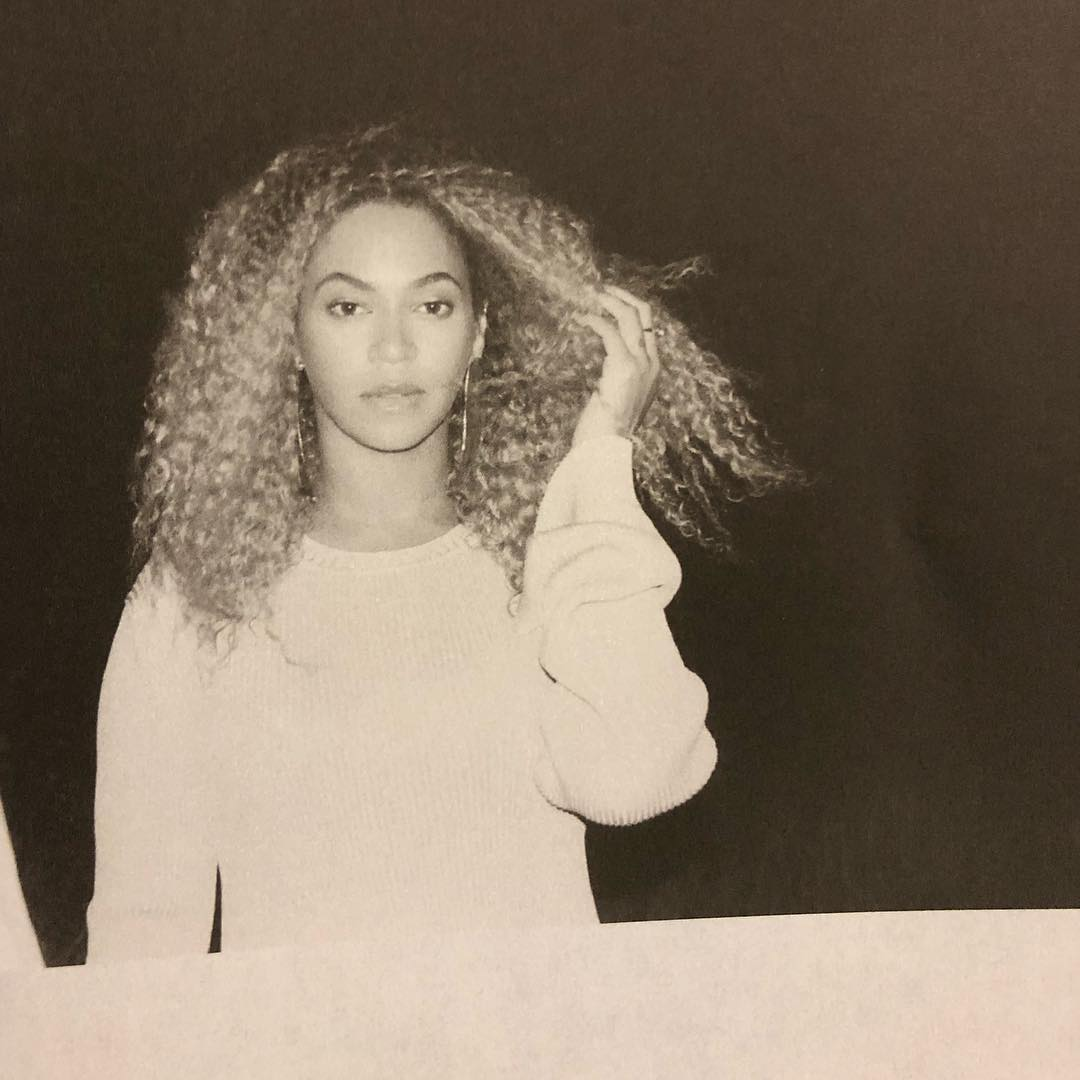 Beyonce And Jay Z Release Nude Pics . . . In Bed Together