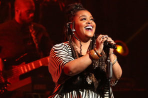 "Jill Scott Addresses Viral Sultry Performance: ""You should cum to my shows"""