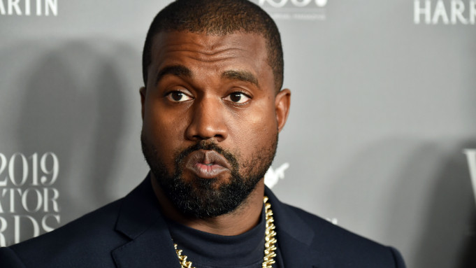 Kanye West Leaves A Huge Handwritten Message Outside Chicago Gap Store